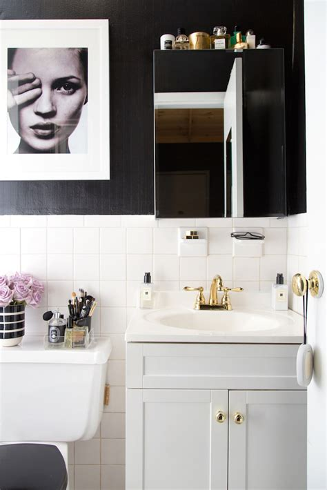 bathroom rental a teen vogue editor s stylish rental bathroom makeover