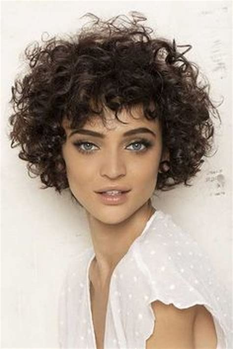 hair styles for white women with curly hair teying to grow hait from short to long short curly hairstyles 2016