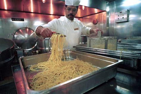 personale di cucina corsi per personale di cucina a bordo