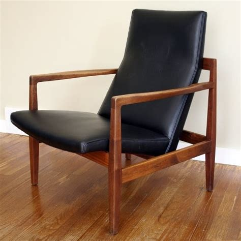 Jens Risom Lounge Chair by Post War Design Risom Lounge Chair