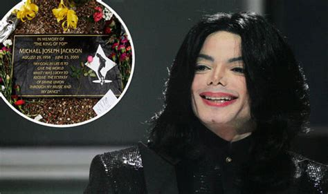 top dead celebrities 2018 michael jackson tops the forbes list for top earning dead