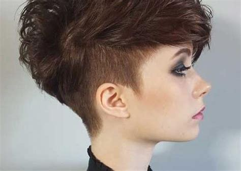 10 trendy short hairstyles for women with round faces