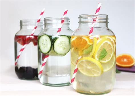 cara membuat infused water lemon dan daun mint infused water dan khasiatnya bagi kesehatan gosocio