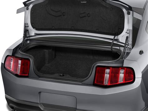 image  ford mustang  door coupe premium trunk size    type gif posted