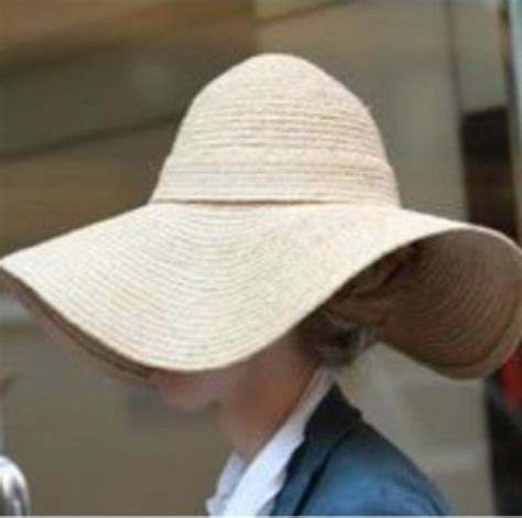 This Is Not My Hat Chelsea chelsea clinton s incognito hat haver focusonstyle