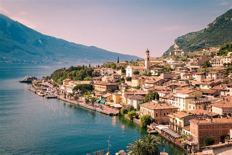 sul lago di garda limone sul garda the italian where residents live