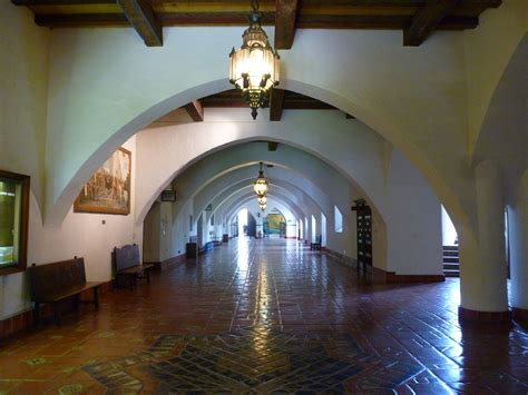 santa barbara court house file santa barbara courthouse interior walkway jpg wikimedia commons