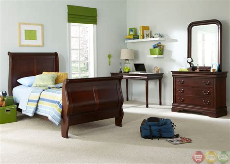 mahogany bedroom sets carriage court mahogany traditional youth sleigh bedroom set