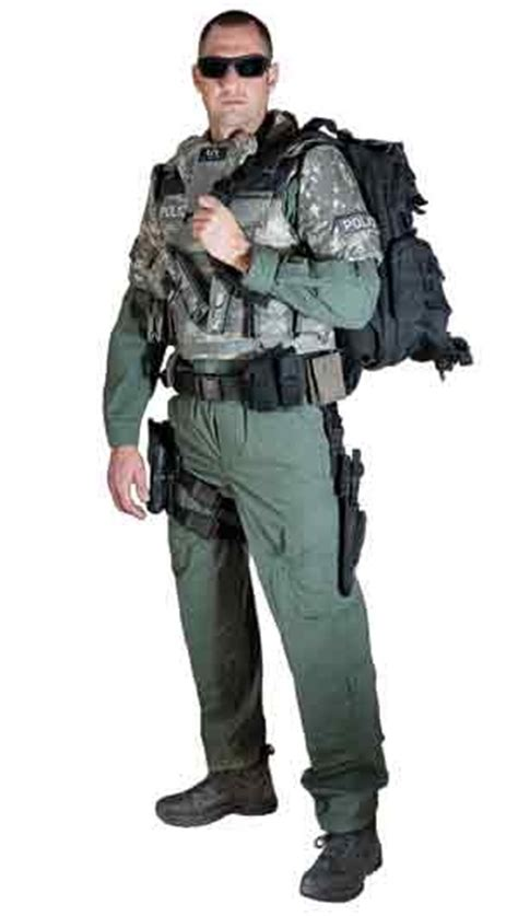 Swat Magazine Sweepstakes - police magazine s well dressed tactical officer contest www policemag com police