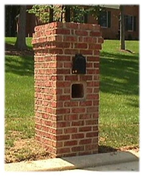 how to decorate a square brick mailbox for christmas a picture of a square brick mailbox b4ubuild