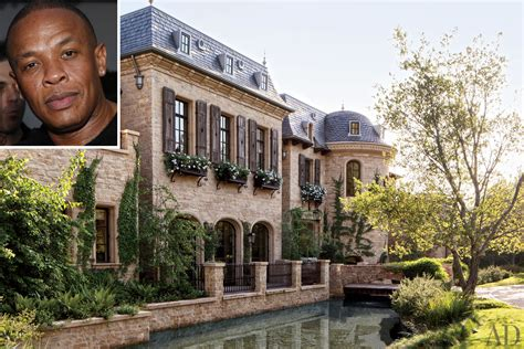 dr dre buys tom brady gisele bndchen mansion for 40m tom brady and gisele bundchen s mega mansion sold to dr