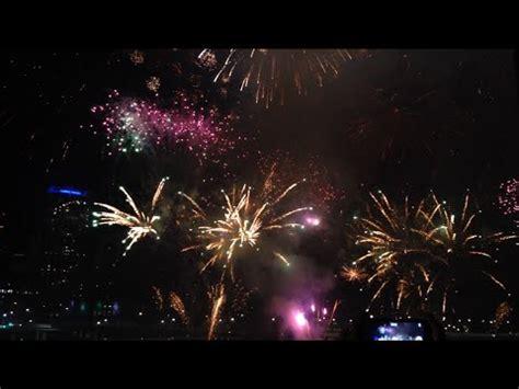 new year in brisbane 2015 2015 new year fireworks in brisbane south bank