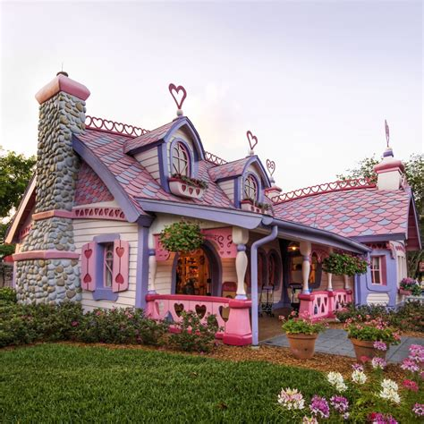 candy house candy house could you live here pinterest honeymoon cottages unusual houses