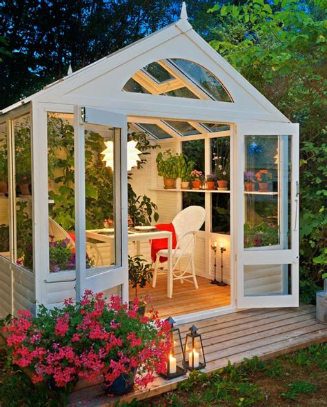 decorare giardino fai da te casetta da giardino fai da te per piante ma non