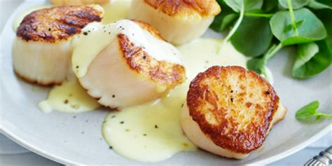 Tv Dinner No Reservations Scallops With Saffron Sauce by Pan Seared Scallops In Saffron Sauce Recipes Food