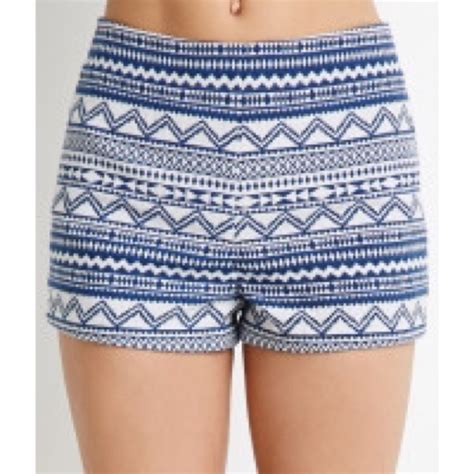 white patterned shorts forever 21 shorts blue and white high waist patterned