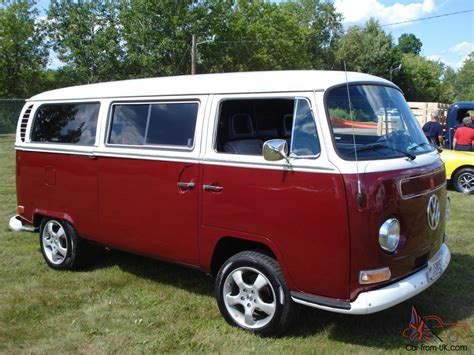 custom volkswagen bus show winning custom 1971 vw bus weekender