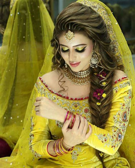 bridal hairstyles in pakistan bridal mehndi makeup 2017 shanila s corner