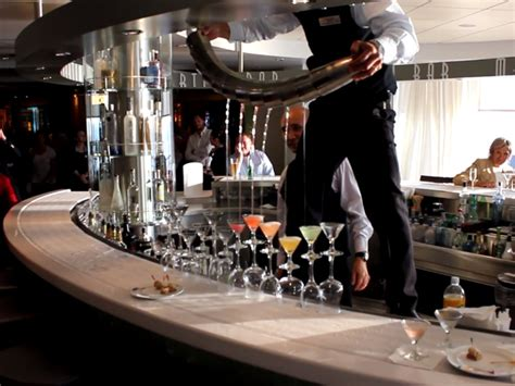 Cruise Ship Bartender by Cruise Ship Bartender Turns Tricks At Cocktail Hour