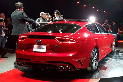 kia turns up the heat new stinger fastback unveiled in