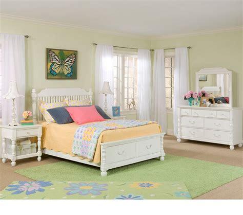 olivia bedroom set dreamfurniture com olivia low poster bed w storage