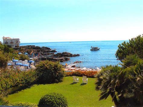 giardino di naxos giardini naxos taormina appartamento sul mare con io