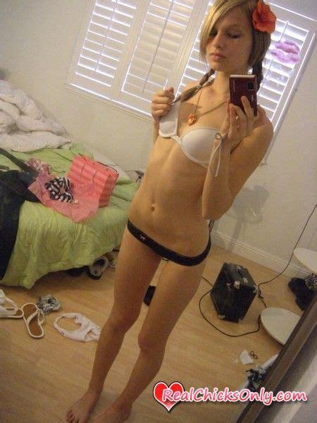 teen bedroom selfies very hot sexy girl cute girl s self shot babe bedroom