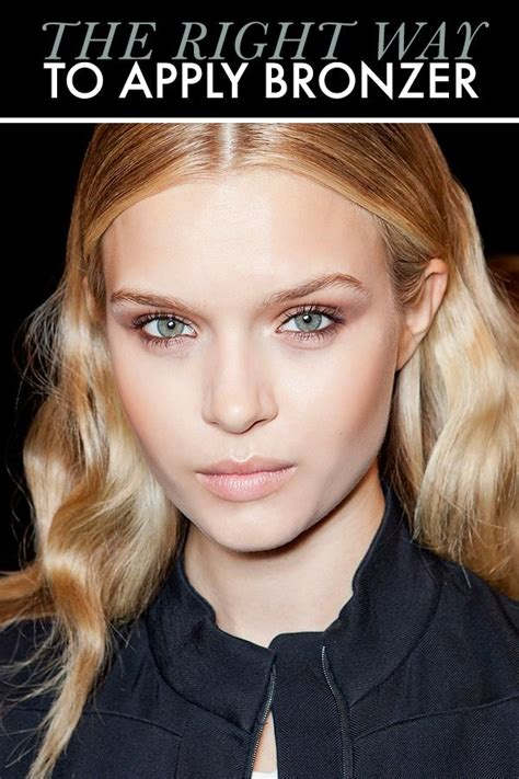 7 Of Applying Mascara The Right Way by How To Apply Bronzer The Right Way