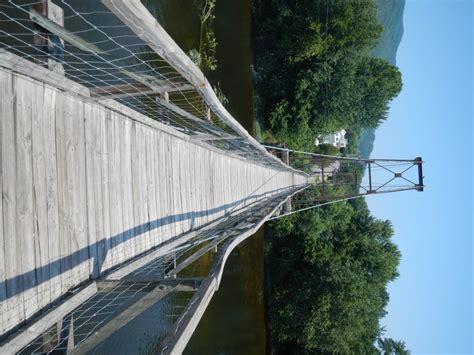 swinging bridge va terrifying swinging bridge in virginia
