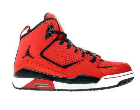 basketball shoes for boys nike air sc 2 gs boys basketball shoes 454088