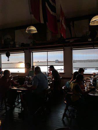 chart room crescent city ca chart room restaurant crescent city restaurant reviews phone number photos tripadvisor