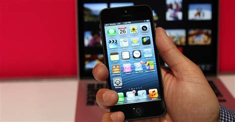 4 iphones t mobile t mobile trade in offer lets you upgrade to iphone 5 from 4 4s