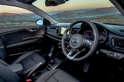 Kia Hatchback Interior Kia Hatchback Review 2017 Parkers