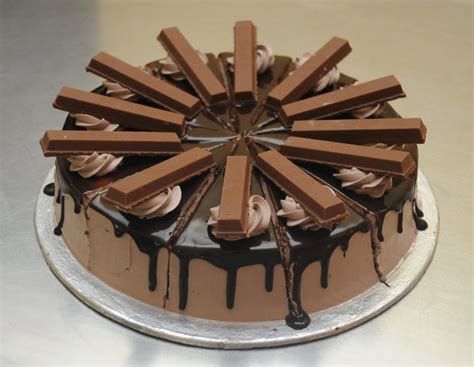 top 10 around the world the world s top 10 best ever kitkat cakes yum pinterest cake