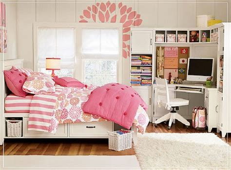 cute bedroom ideas for small rooms design ideas cute room decor ideas for teenagers wooden laminate flooring white wall