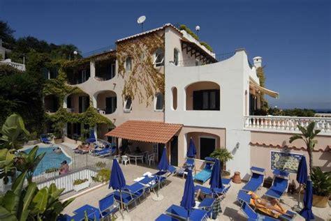 hotel ischia porto 2 stelle hotel 3 stelle ischia porto vicino aragonese