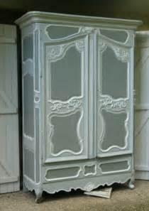 meubles peints anciens sur peinture de
