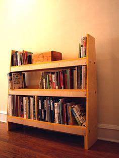 membuat rak buku minimalis rak buku unik hitam putih bentuk modern rak buku unik