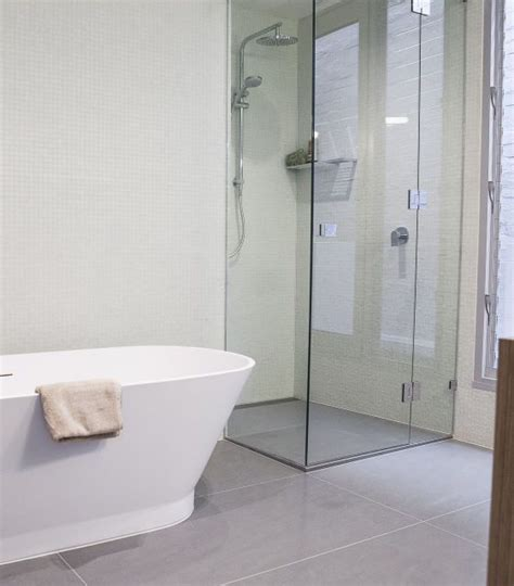 shower screens melbourne class glass aluminium melbourne glass specialists