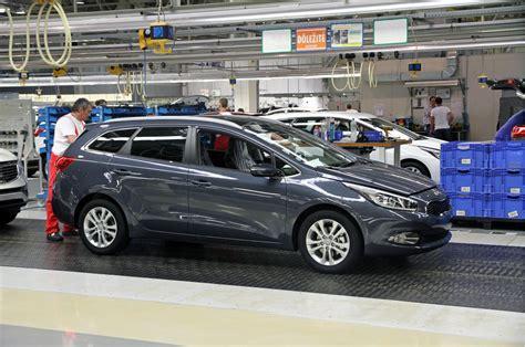 Kia Cid Lancerx Vs Kia Ceed Vs Mazda 3 Vs Emgrand X7 страница 3