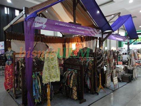 Produk Ukm Bumn Lukisan Realis pameran produk tekstil dan kerajinan texcraft 2011