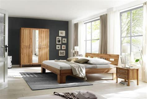 schlafzimmer massiv einrichten schlafzimmer kernbuche massiv modesty komplett 180