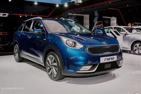 Who Is Kia Made By 2016 Kia Niro Makes European Debut At Geneva Motor Show