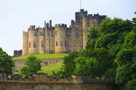 most beautiful english castles the world s 20 most beautiful historic castles
