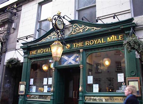 royal milecom the royal mile shops restaurants pubs edinburgh s royal mile