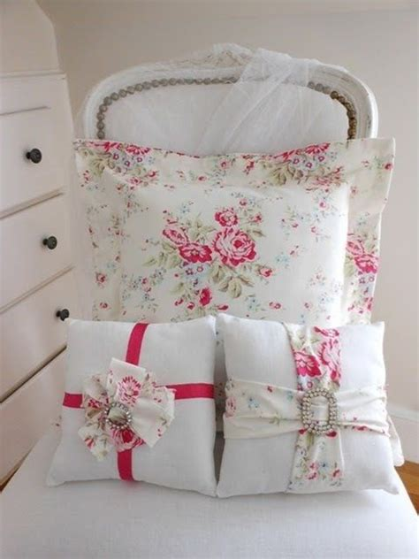 almohadas arredo 1000 ideas about shabby chic pillows on