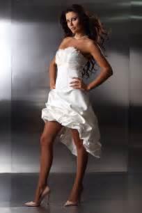 Hochzeitskleider Kurz by Vokuhila Brautkleider Der Neue Trend In Sachen Brautmode