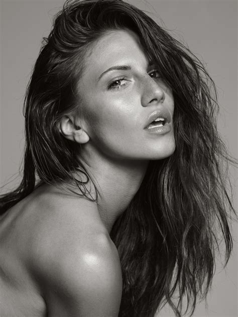Modele Feminin
