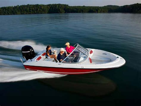 bayliner hits boat 2014 bayliner 160 bowrider review top speed
