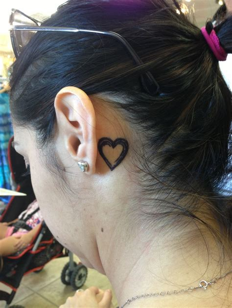 henna tattoo designs behind ear 156 best images about henna on lower backs